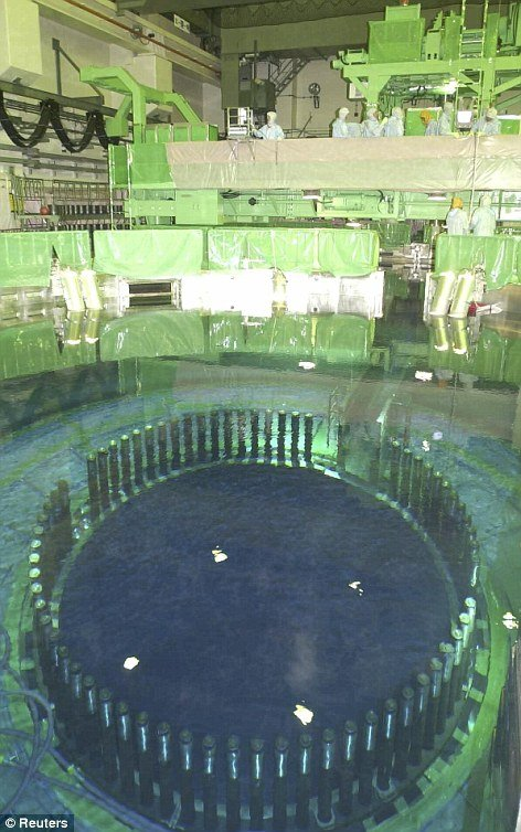 Spent fuel pool inside reactor