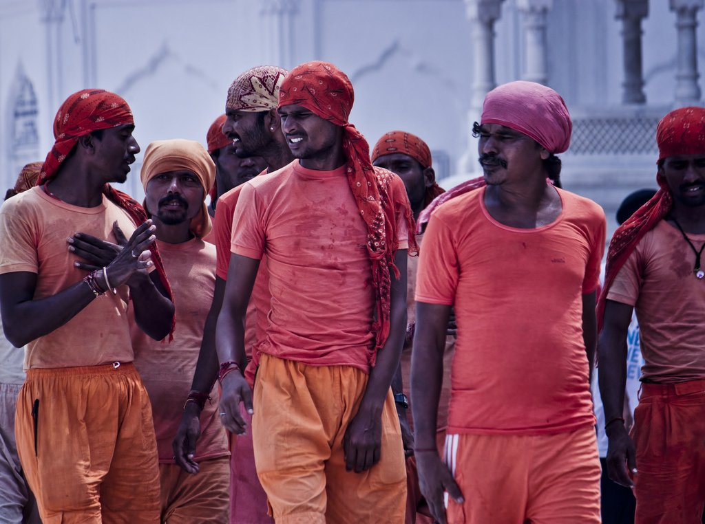 Labourers in Atta Mandi, Amritsar, Punjab. Photo by Jack Zalium