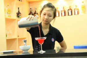 Portrait: Hutech bartender