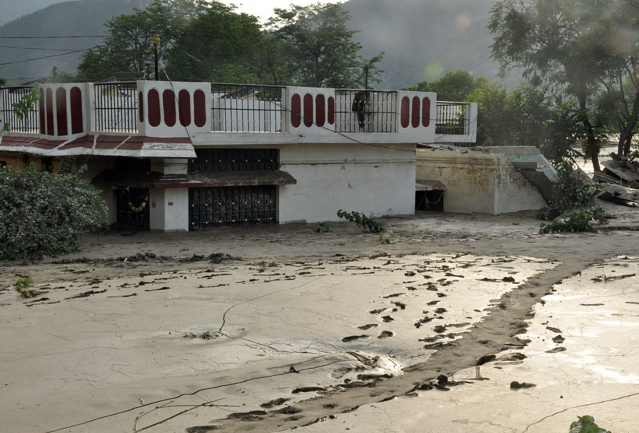 Houses buried in 10-12 feet of mud at Srinagar after the Uttarakhand flood