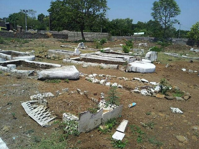 desecrated graves at Shahi Qabarastan Trust in Pune