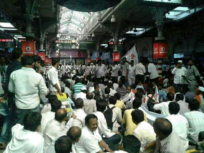 Farmers and disabled people protesting at CST in 2013