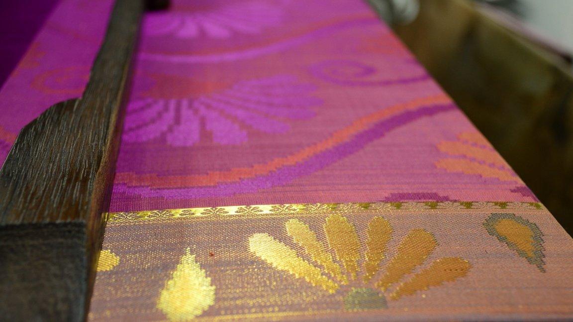 Handloom sari at Walahjapet, Tamil Nadu