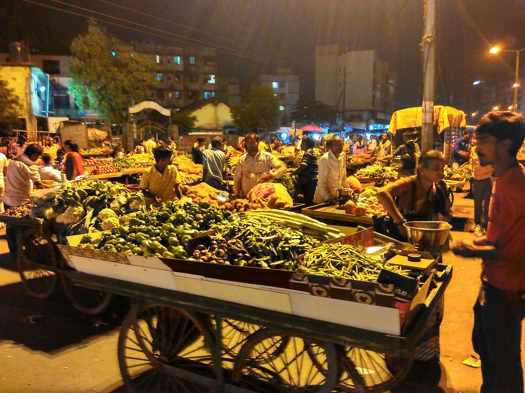 vegetable vendor carts manvelpada virar maharashtra india